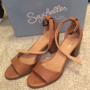 Brown Seychelles block heel sandal sz 9